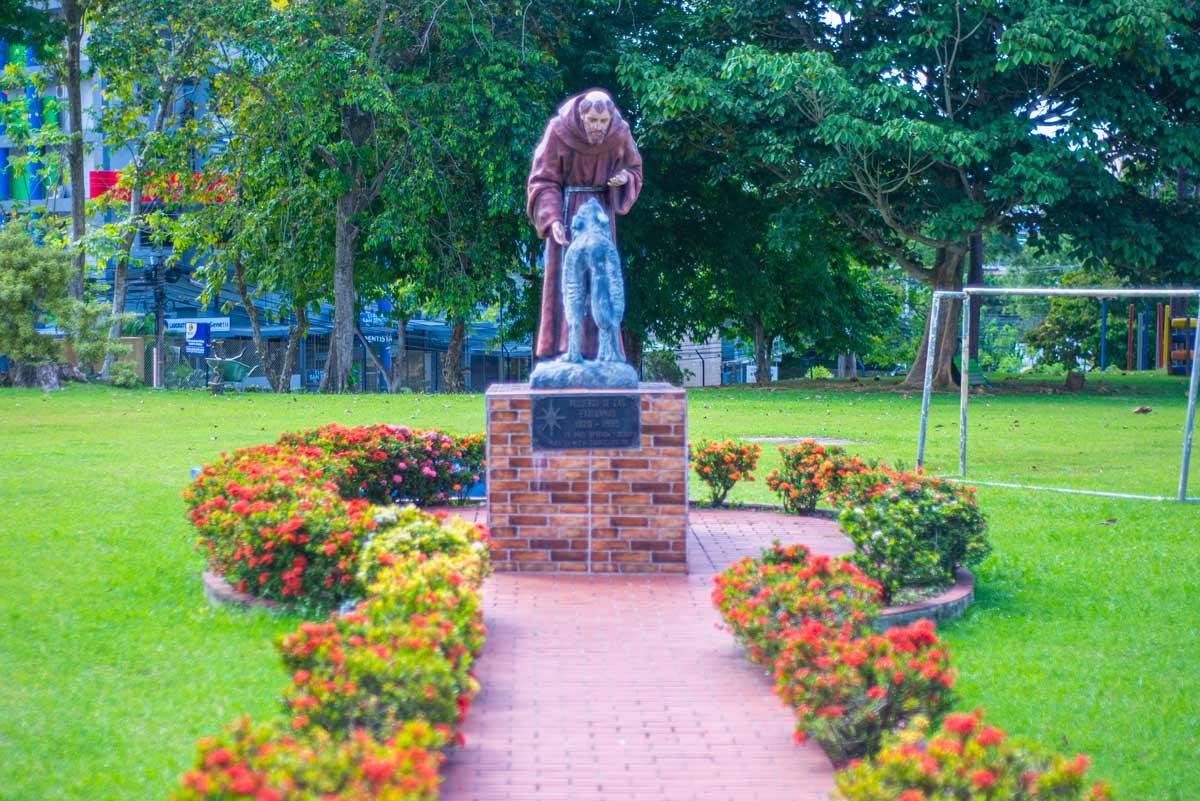 Patio del Colegio Internacional de María Inmaculada