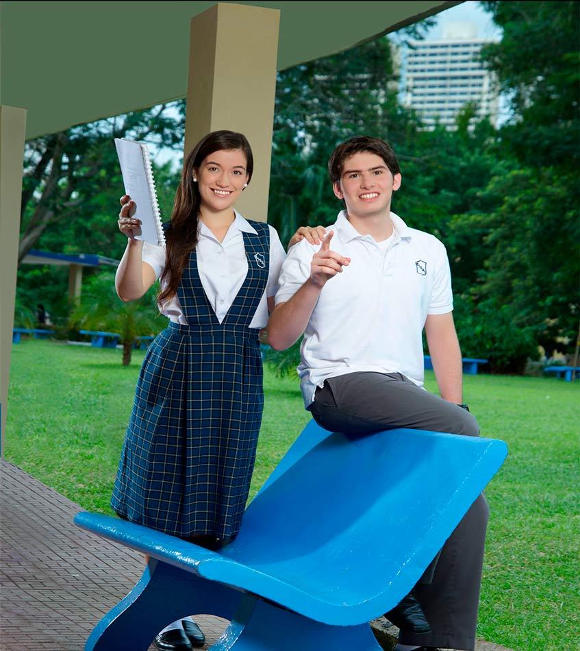 Alumnos del Colegio Internacional de María Inmaculada
