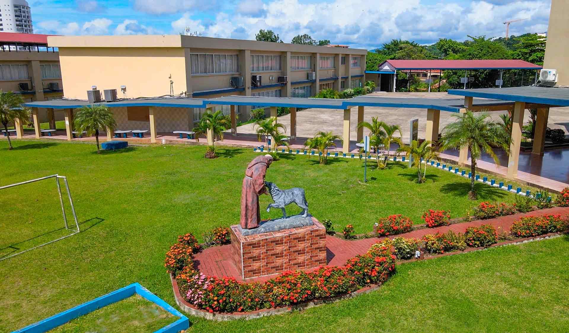 Imagen panorámica del Colegio Internacional de María Inmaculada