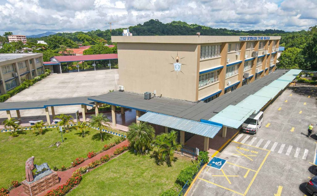 Vista semi aérea del Colegio Internacional de María Inmaculada